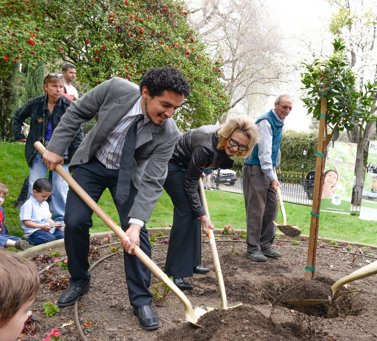 DGS Helps Kick Off Arbor Week with Tree Planting at Executive Mansion